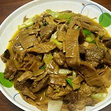 干竹笋炖五花肉