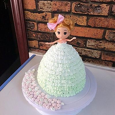 芭比娃娃渐变生日蛋糕