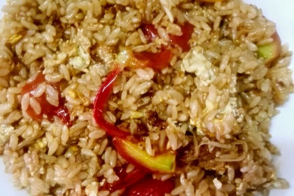 小番茄金针菇蛋炒饭的做法