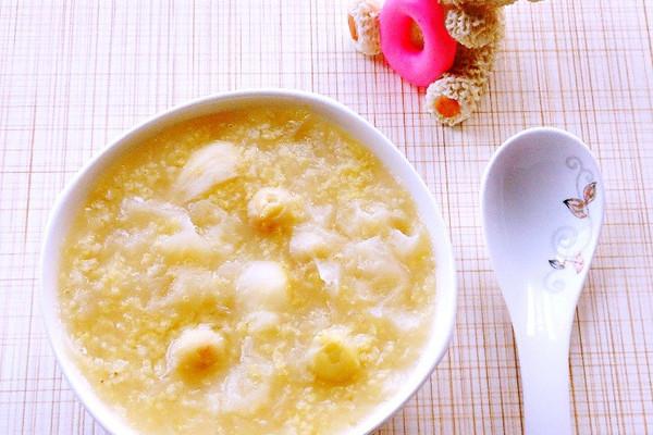 银耳莲子百合小米粥的做法