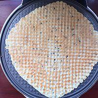 一杯面粉两个鸡蛋就能做出酥脆掉渣的鸡蛋卷的做法图解9