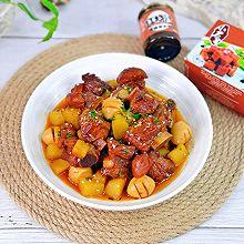 好吃到舔手指&红烧排骨炖土豆,酱香浓郁巨下饭
