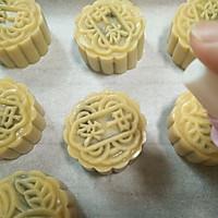 #秋天怎么吃#莲蓉奥利奥月饼的做法图解14