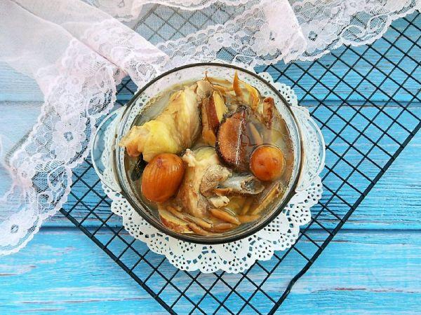 五指毛桃母鸡汤的做法