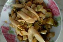 火腿肠炒炸菜的做法