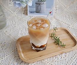 夏日最爱冰咖啡❗️海盐焦糖冰拿铁的做法