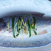 【低热量】清蒸鲈鱼的做法图解4