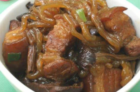 猪肉茶树菇炖粉条的做法