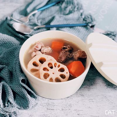 清熱健脾—排骨蓮藕紅蘿卜湯