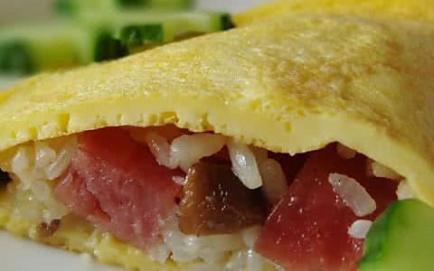 香菇火腿蛋包饭的做法