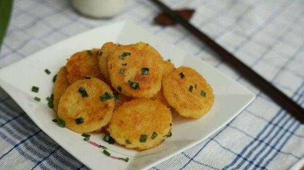 葱香椒盐土豆饼的做法