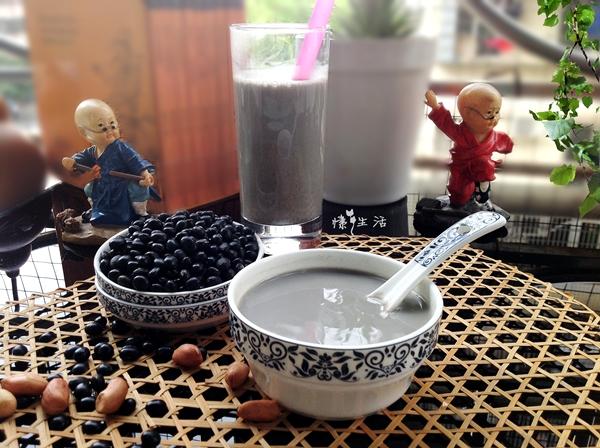 喝出a芝麻---芝麻黑星际豆浆小米图片
