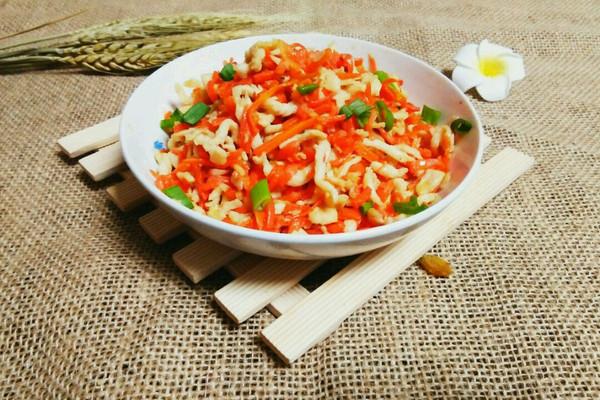 胡萝卜炒鸡丝~美味家常菜的做法