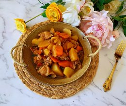 可以吃两碗米饭的胡萝卜土豆炖鸡块