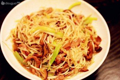 绿豆芽香菇炒肉丝