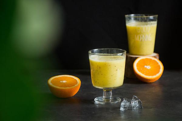 酸甜可口的猕猴桃香蕉橙汁的做法