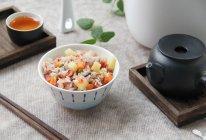 #夏日撩人滋味#豌豆培根杂粮煲仔饭的做法