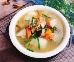 #精品菜谱挑战赛#养生汤+双色萝卜筒骨汤的做法