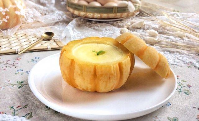 美妙的夏日甜品:小南瓜蒸蛋奶