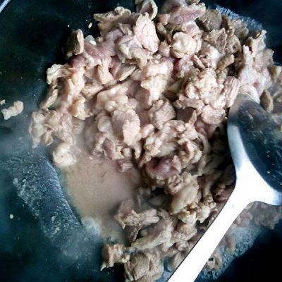 孜然羊肉的做法 步骤4