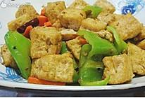 青椒豆腐泡的做法