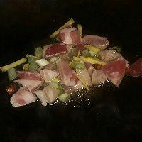 五花肉烧水萝卜的做法图解3