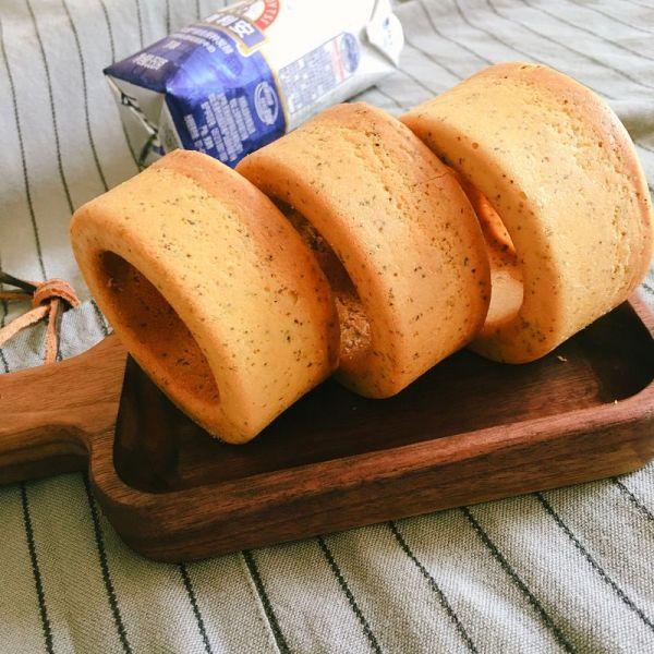 红茶堡尔美克甜甜圈蛋糕的做法