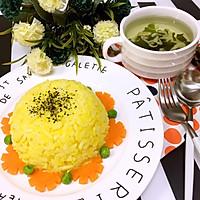 黄金炒饭配裙带菜汤