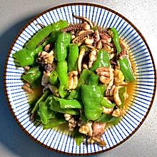 好吃又简单的:青椒炒鱿鱼须