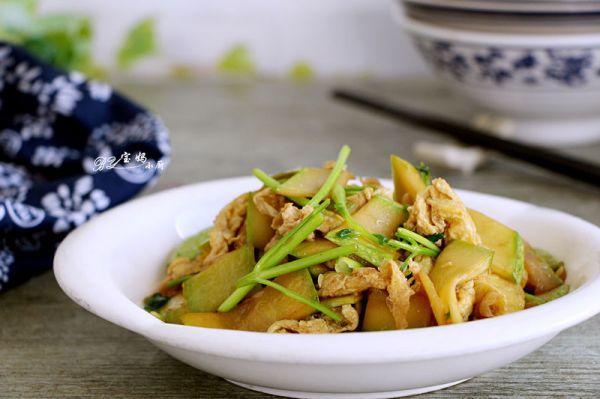 西葫芦香菜炒蛋
