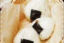 「海贼王Sanji料理」⑾尾田老师最爱の鲔鱼饭团的做法