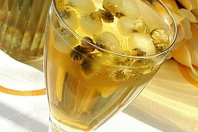 冰糖雪梨菊花茶