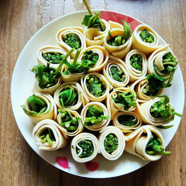 香椿豆腐卷的做法