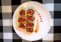 杨小厨五一特辑之彩椒肉末蛋卷:一宵风雨送春归。的做法