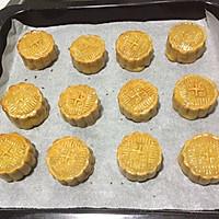 蛋黄莲蓉月饼的做法图解11