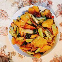 家常五花肉炖芸豆土豆