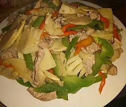 圆椒红椒冬笋炒肉的做法