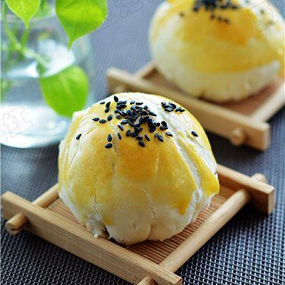 苏式蛋黄酥月饼