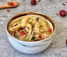 枸杞红枣土鸡汤的做法