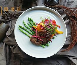 轻脂#菲力牛排蔬菜沙拉#的做法