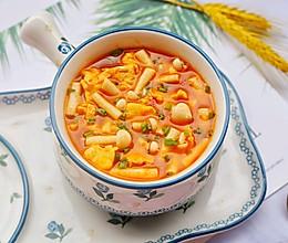 #全电厨王料理挑战赛热力开战!#低脂好喝的番茄菌菇鸡蛋汤的做法