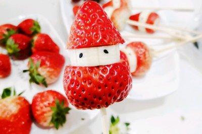 圣诞草莓冰糖葫芦