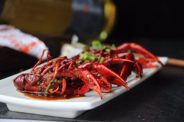 鲜香麻辣小龙虾