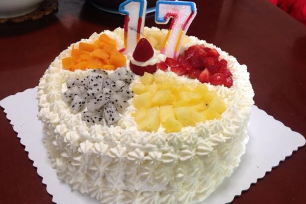 水果生日蛋糕的做法视频 小贴士 淡奶油选用动物性奶油,不含反式脂肪