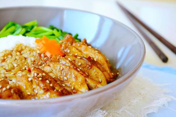 92期【秘制沙茶鸡腿饭】好吃又营养,简单还兼具颜值的便当~的做法