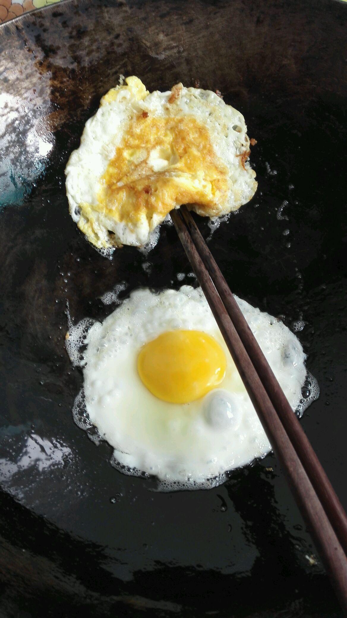 宝宝鲜奶鸡蛋面的做法图解2