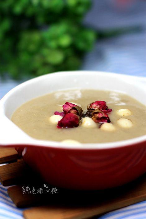 怎样做出清凉爽口的绿豆沙——冰糖玫瑰绿豆沙的做法