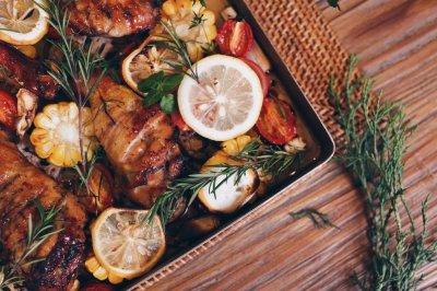 柠香时蔬烤鸡腿,温一壶酒,想吃,就拿爱情来换。