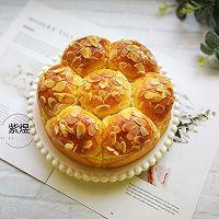 奶香花朵面包