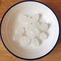 糖水炖桃胶的做法图解3